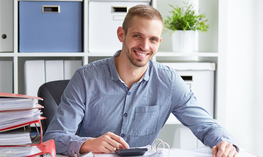 what is a personal guarantee - business owner working with finances